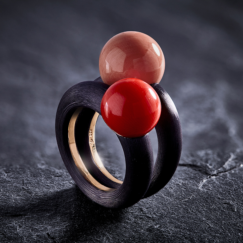 Messerer_Juwelier_Ring_Carbon_Koralle_SET_01.jpg
